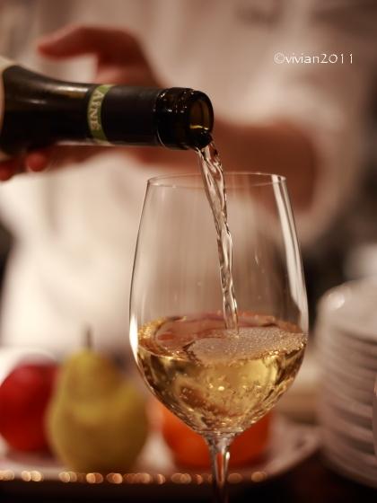 カフェレストラン ベルアン(Belleans)~打ち合わせを兼ねて軽くワインを~_e0227942_16231005.jpg