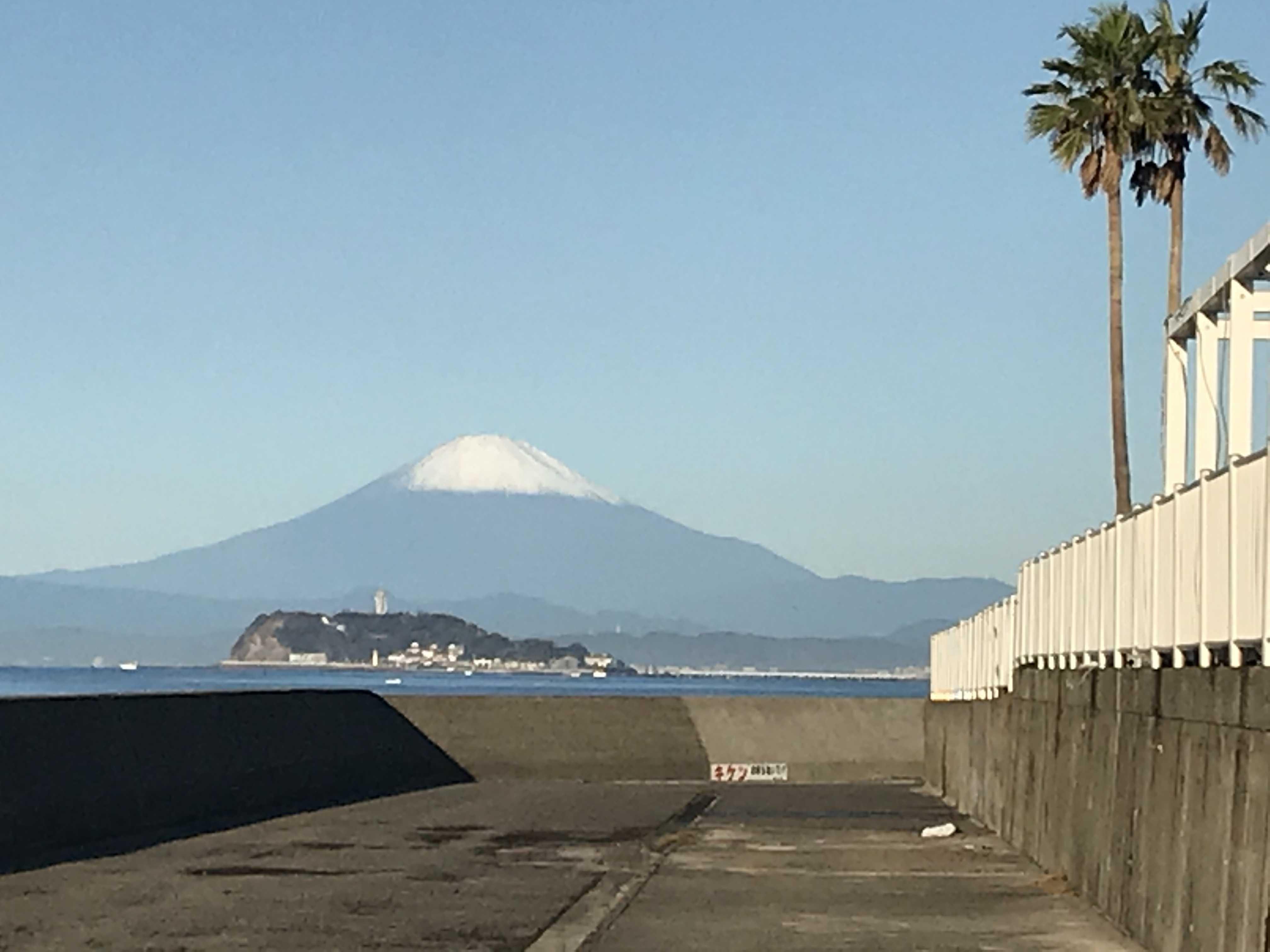 エンペラーウェザーの奇跡の虹の翌日は美しい富士山_c0343447_08432216.jpg