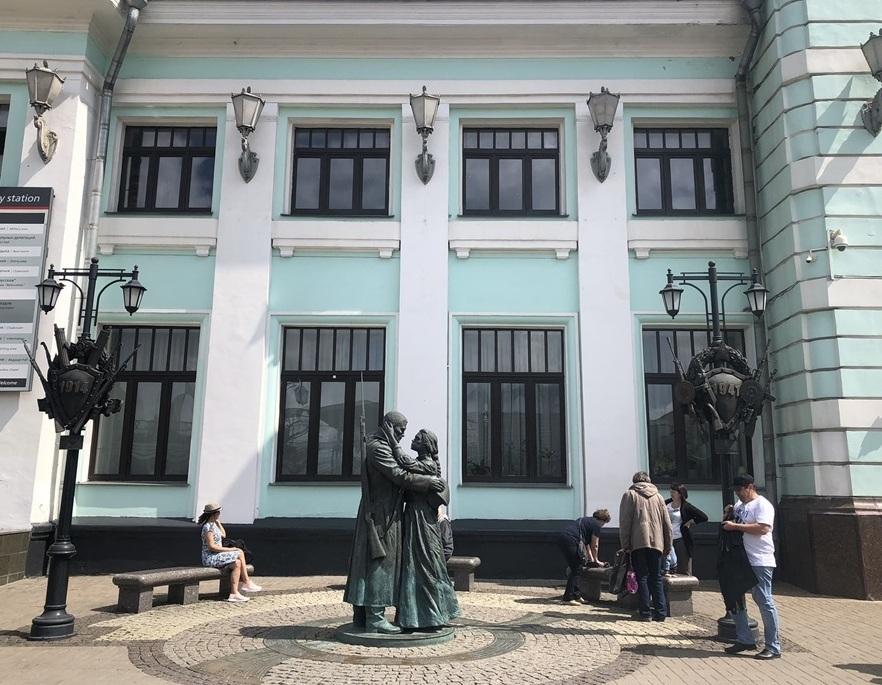 乗り継ぎ時間が長すぎて、しばしモスクワ観光へ_a0092659_23030752.jpg