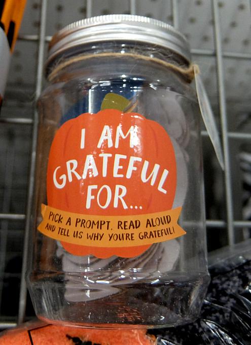 ハロウィン・グッズ内で見つけたGratitude Jar(感謝の瓶)_b0007805_23404921.jpg