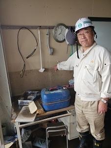 吉田栄光福島県議長被害状況視察_d0003224_11195495.jpg