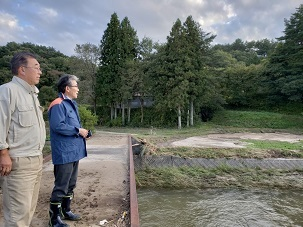 吉田栄光福島県議長被害状況視察_d0003224_11201250.jpg