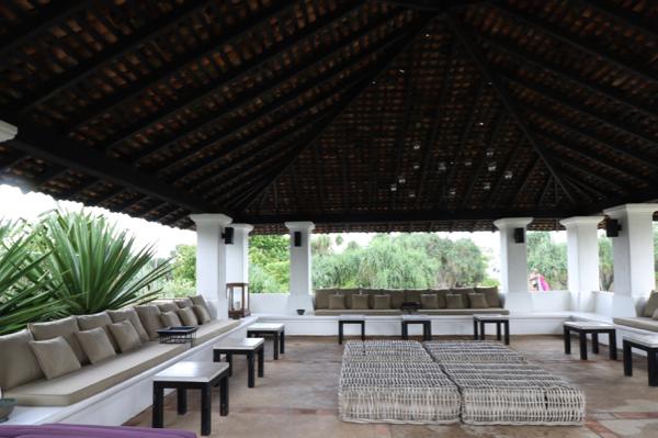 ■ Geoffrey Bawa (ジェフリー・バワ)の美学にふれるスリランカの旅 5日目 バワ建築いろいろ_f0165030_08260476.jpg