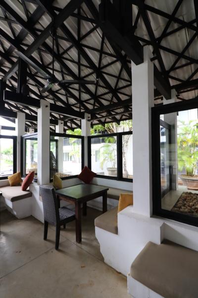 ■ Geoffrey Bawa (ジェフリー・バワ)の美学にふれるスリランカの旅 5日目 バワ建築いろいろ_f0165030_08324799.jpg