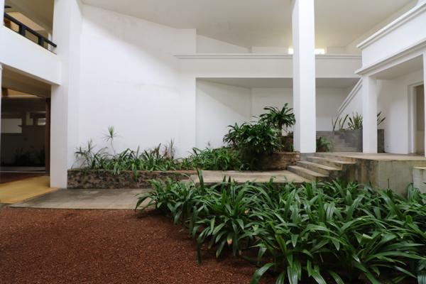 ■ Geoffrey Bawa (ジェフリー・バワ)の美学にふれるスリランカの旅 5日目 バワ建築いろいろ_f0165030_08464806.jpg