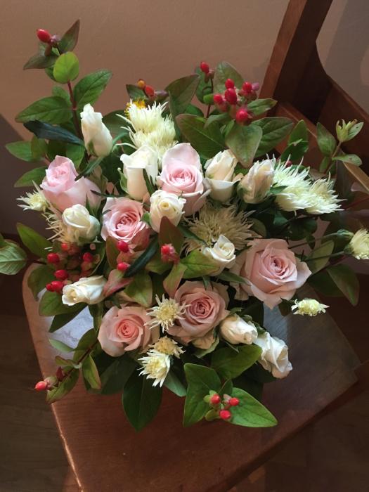 お誕生日のお祝いのお花_f0155431_22085480.jpg