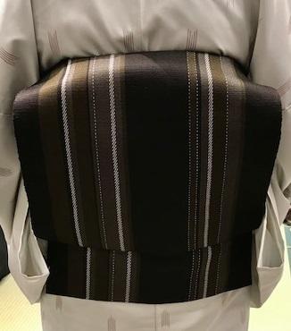 サローネ・単衣着物に黄八丈の帯・紅葉の羽織に木屋太の帯。_f0181251_19311739.jpg