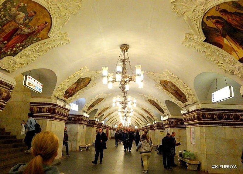 乗り継ぎ時間が長すぎて、しばしモスクワ観光へ_a0092659_20564923.jpg