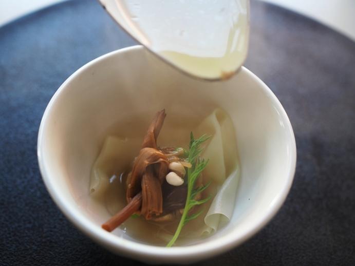 金針菜の鶏スープ_e0148373_22491318.jpg