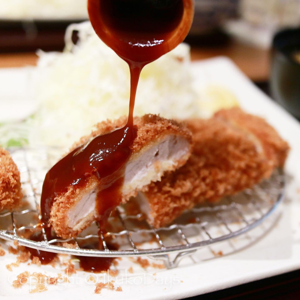 リニューアルした青山本店で オリジナルブランド豚のとんかつ食べ比べ:『まい泉』表参道_d0114093_00062044.jpg