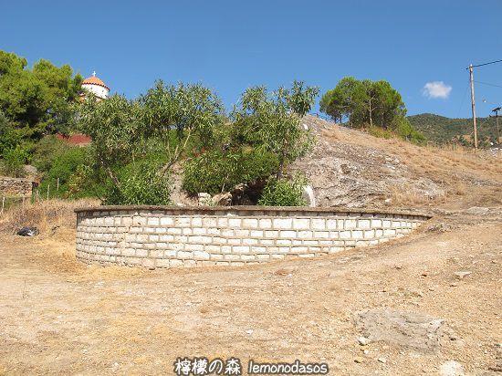 シッラの洞窟遺跡 エヴィア島エディプソス_c0010496_22591230.jpg
