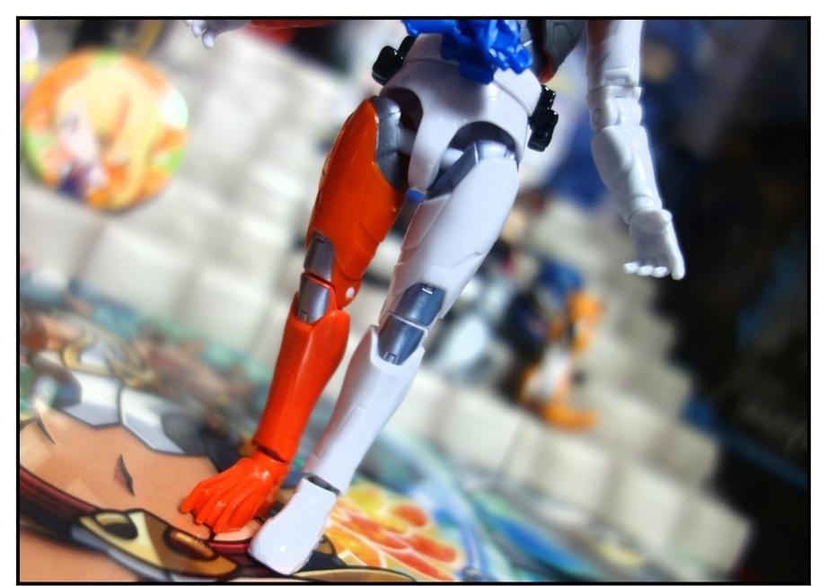 RKF仮面ライダーバルキリー/DXライトニングホーネット/DXフリージングベアーで徹底的に遊ぶ!!_f0205396_21184994.jpg