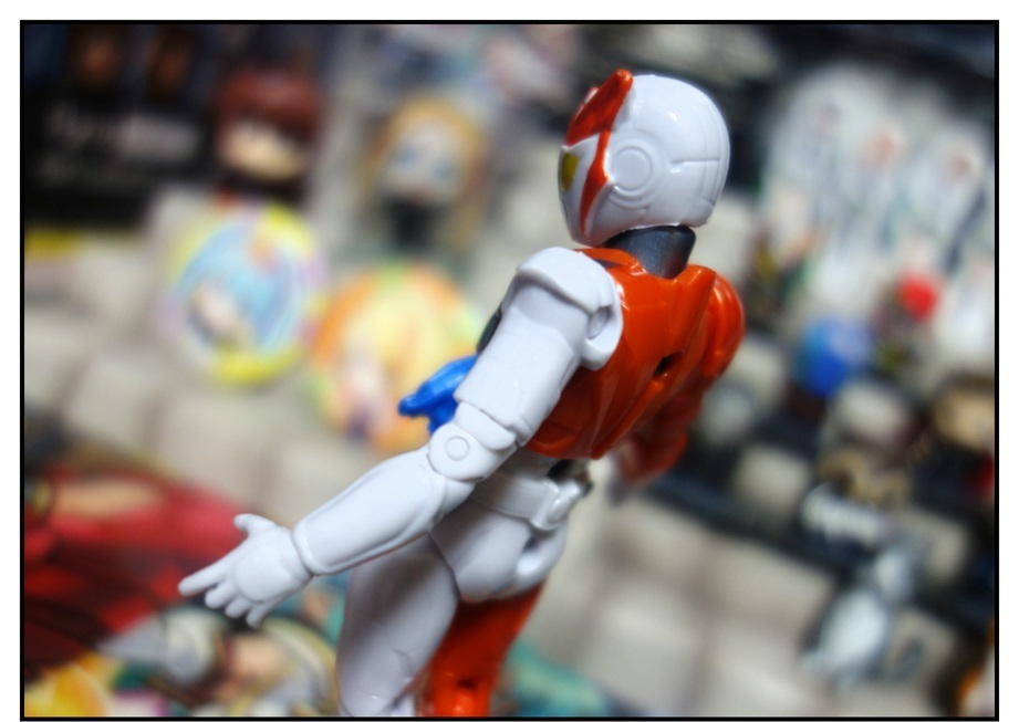 RKF仮面ライダーバルキリー/DXライトニングホーネット/DXフリージングベアーで徹底的に遊ぶ!!_f0205396_21185672.jpg