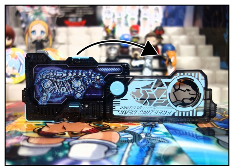 RKF仮面ライダーバルキリー/DXライトニングホーネット/DXフリージングベアーで徹底的に遊ぶ!!_f0205396_21451944.jpg