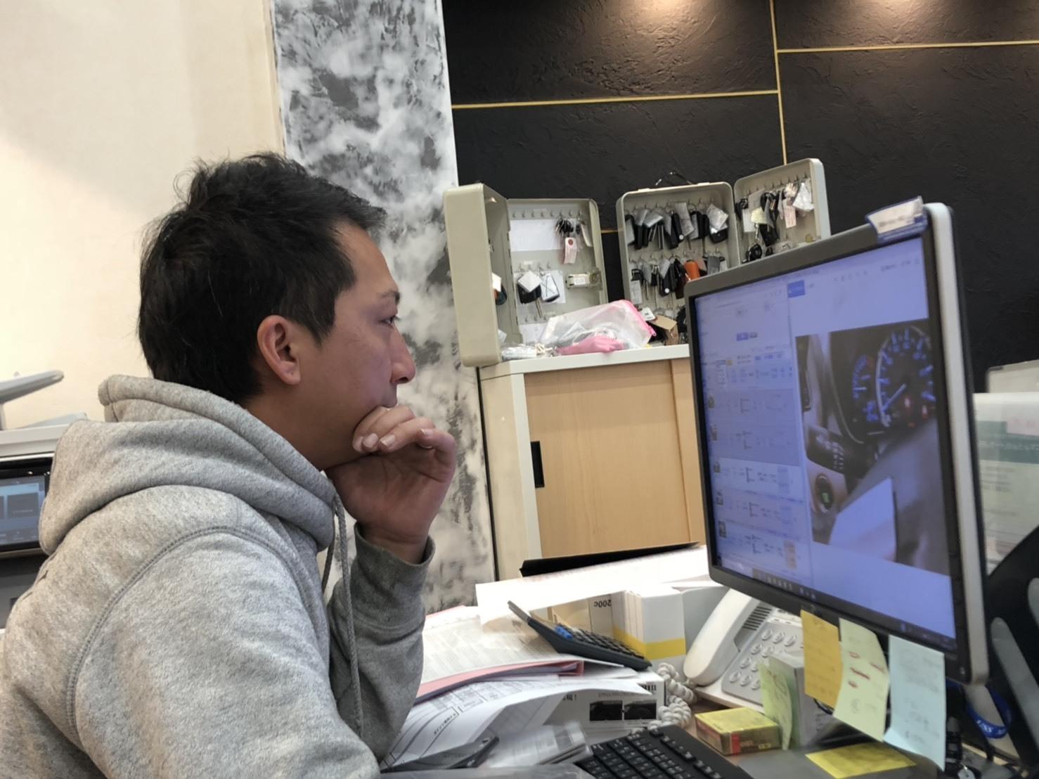 10月25日(金) アルファード入庫しました!!本店ブログ☆彡 ランクル ハマー アルファード♪ _b0127002_20122543.jpg