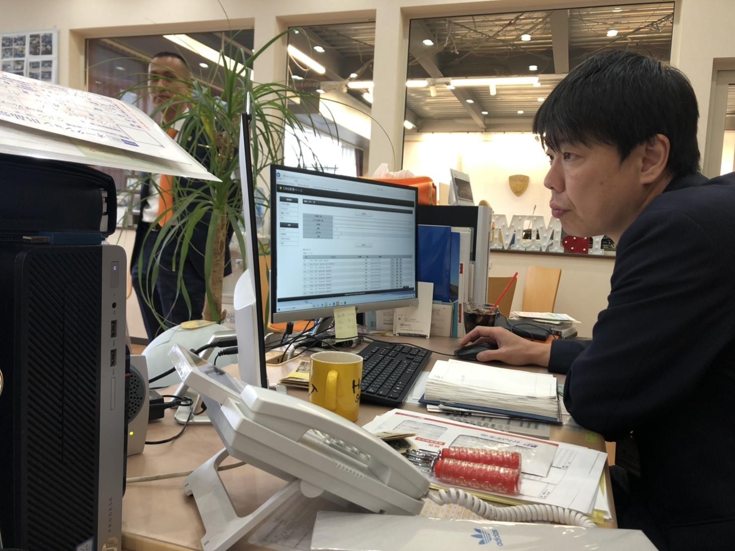 10月25日(金) アルファード入庫しました!!本店ブログ☆彡 ランクル ハマー アルファード♪ _b0127002_20282677.jpg