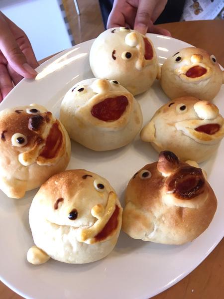 明日は、『カフェでまんまるパンを食べちゃおう!』の日です。_d0077603_12521787.jpg