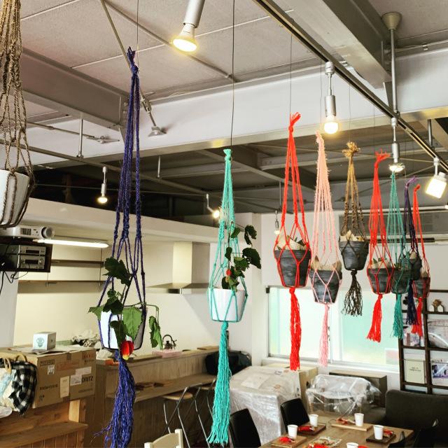 ハンギングプランター(素焼き鉢&多肉植物付き)workshop。_b0125443_15105083.jpeg