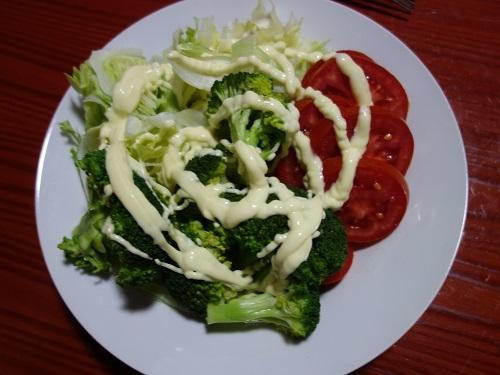 イキトスのゲストハウスのキッチンで自炊してサラダもチョリソもたっぷり_c0030645_10135436.jpg
