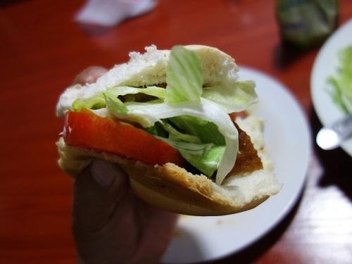 イキトスのゲストハウスのキッチンで自炊してサラダもチョリソもたっぷり_c0030645_10161463.jpg