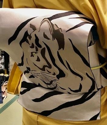 サローネ・動物柄の象の着物や虎の帯・明日は時代祭。_f0181251_15391510.jpg