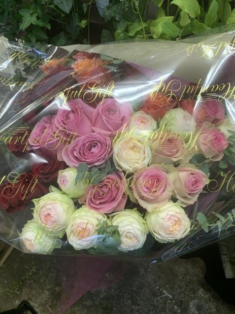 薔薇の花束_b0196913_08264596.jpeg