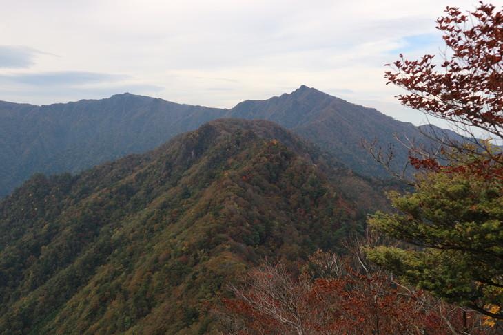 静かな山歩き(大障子岩&池の原展望所)_e0272335_20214875.jpg