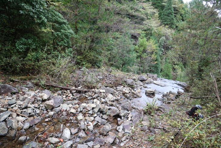 静かな山歩き(大障子岩&池の原展望所)_e0272335_2052529.jpg