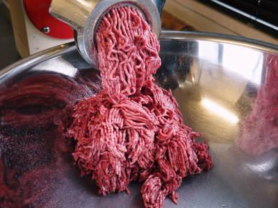 中野畜産さんの黒毛和牛100%のハンバーグステーキができるまでを潜入取材!その3_a0254656_17110619.jpg