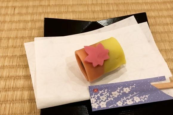 紅葉と和菓子_d0129786_12542811.jpg