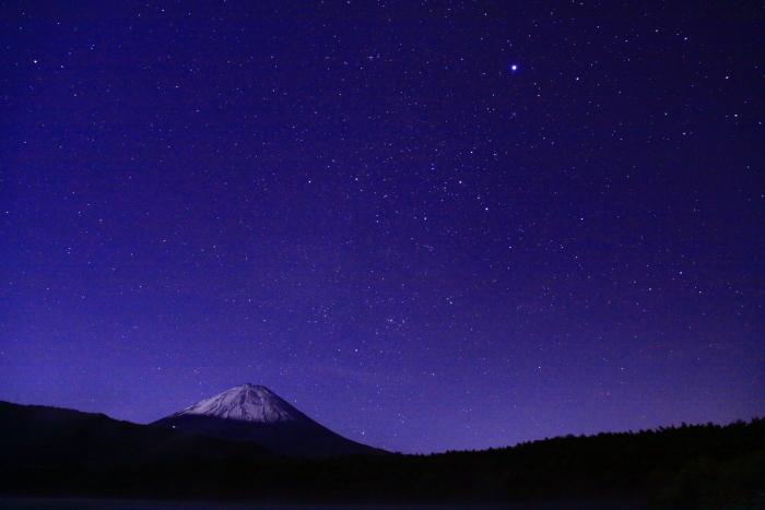 令和元年10月の富士(20)西湖の星空と富士_e0344396_20490504.jpg