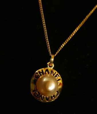 Chanel Necklace_f0144612_06551153.jpg