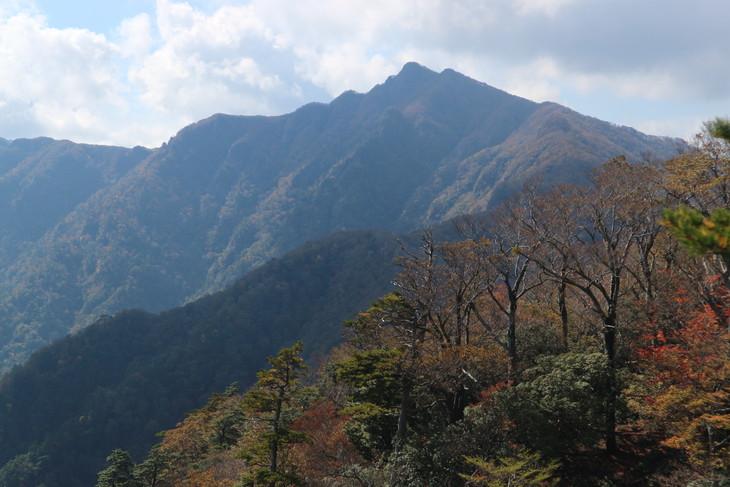 静かな山歩き(大障子岩&池の原展望所)_e0272335_5381620.jpg