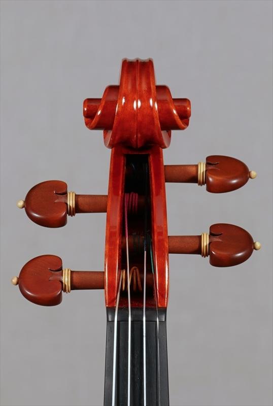 弦楽器フェアの展示楽器、最新作1台目_d0047461_08480467.jpg