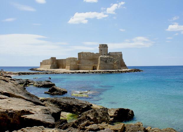 レ・カステッラ 青き海に浮かぶ美しき城_f0205783_20335660.jpg