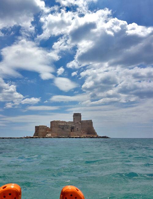 レ・カステッラ 青き海に浮かぶ美しき城_f0205783_20543537.jpg