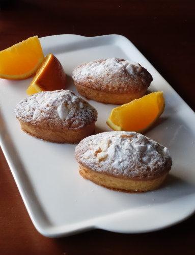 オレンジの小さいケーキ_b0254207_22160473.jpg