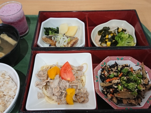 10/28 今日の昼食@会社Vol.947_b0042308_12500578.jpg