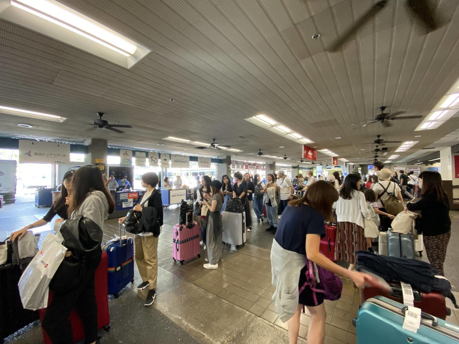 ハワイ旅行1 〜1日目〜 成田空港からホノルル空港へ eSIM便利。アサイーボウル、Mahaloha Burger食べる_b0024832_19110126.jpg