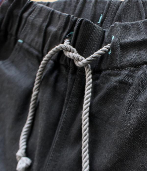 更にイージーに履けるブラックデニムイージーパンツ発売♪_d0108933_22135783.jpg