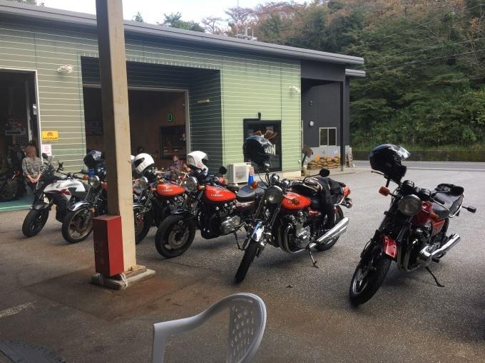 滋賀のライダースカフェ「TOP GUN」はカワサキご用達?_b0017844_09555448.jpg