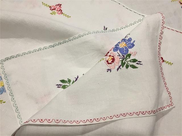 刺繍ティー用麻テーブルクロス310 sold out!_f0112550_04592424.jpg
