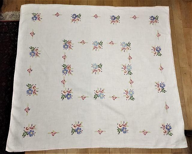 刺繍ティー用麻テーブルクロス310 sold out!_f0112550_04592471.jpg