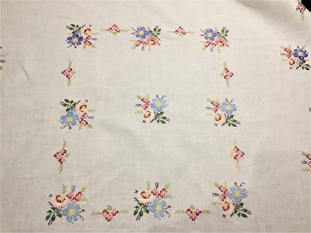 刺繍ティー用麻テーブルクロス310 sold out!_f0112550_04592510.jpg