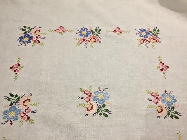 刺繍ティー用麻テーブルクロス310 sold out!_f0112550_04592515.jpg