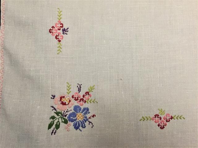 刺繍ティー用麻テーブルクロス310 sold out!_f0112550_04592523.jpg