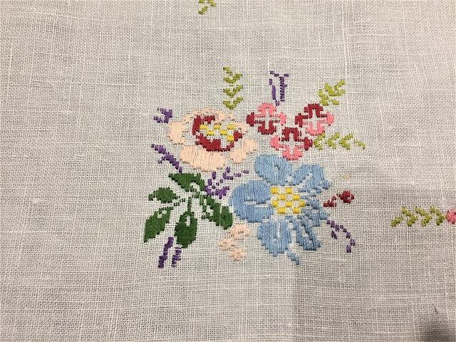 刺繍ティー用麻テーブルクロス310 sold out!_f0112550_04592569.jpg