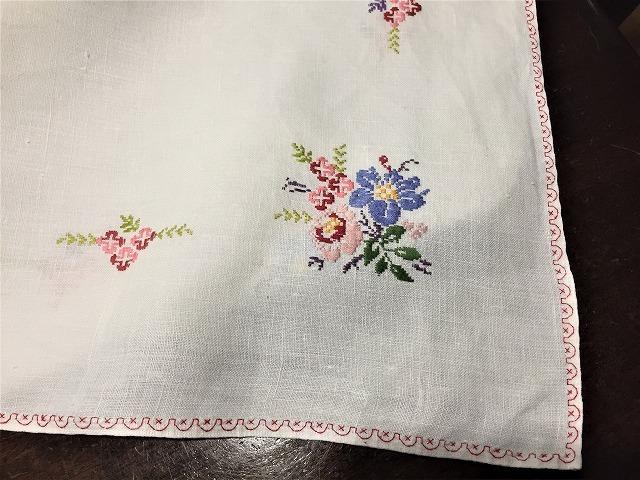 刺繍ティー用麻テーブルクロス310 sold out!_f0112550_04592570.jpg
