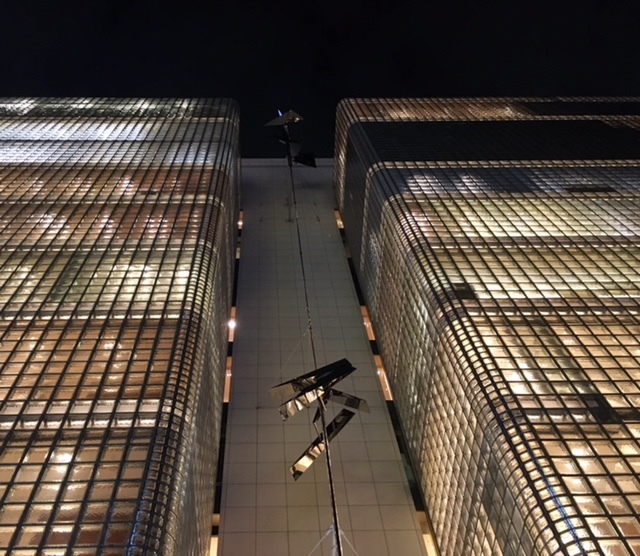 Glass block @GINZA  夜の美しい照明に感動~!_a0165160_17331936.jpg