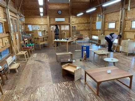 木工教室の作品展を見に行って来ました_f0185066_16324458.jpg